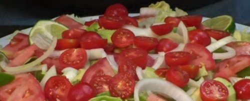 avocado tomaat salade
