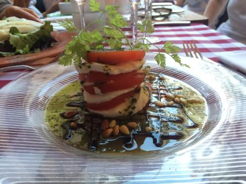 Torentje van tomaat en mozzarella