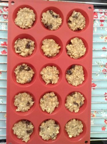 Havermout en banaan koekjes voor het bakken