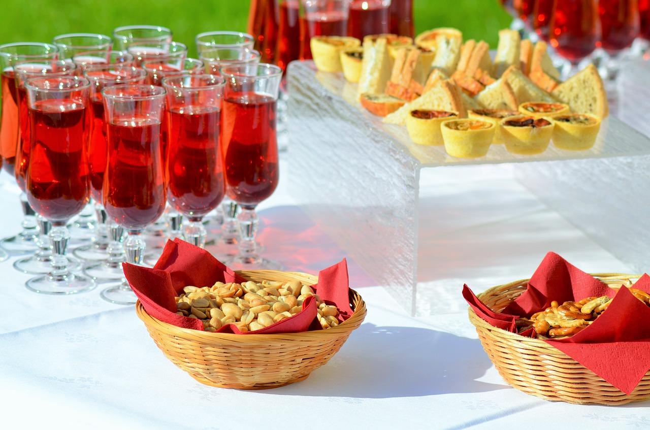 Onwijs Cocktail hapjes, tips en recepten voor de perfecte cocktail party ZT-41