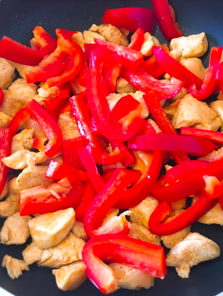 Kip met paprika en Italiaanse kruiden
